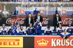 Striedačka Slovenska počas zápasu Slovensko - Kanada na MS v hokeji 2019.