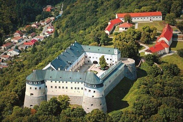 Na hrade Červený Kameň sa špeciálna prehliadka uskutoční už túto sobotu.
