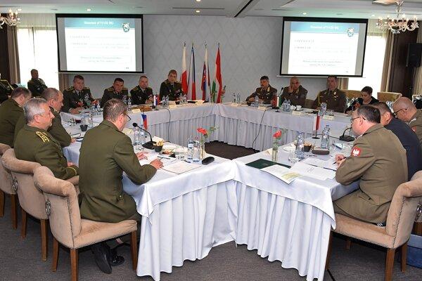 Rokovanie náčelníkov generálnych štábov armád krajín V4 v Tatranskej Lomnici vo Vysokých Tatrách.