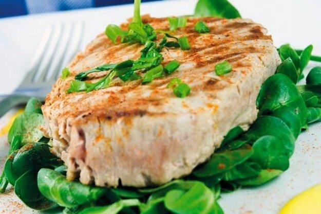Tuniakový steak so špenátom