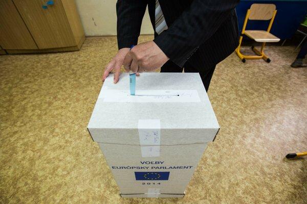 V roku 2014 bola účasť v eurovoľbách na Slovensku 13 percent.