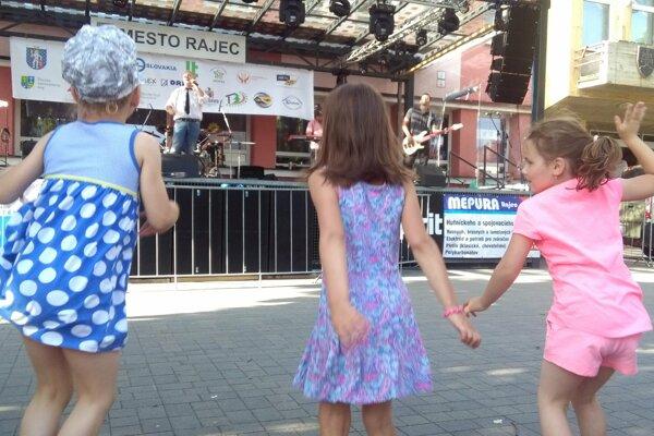 Mladí nemajú v Rajeckej doline veľa príležitostí na kultúrne vyžitie.
