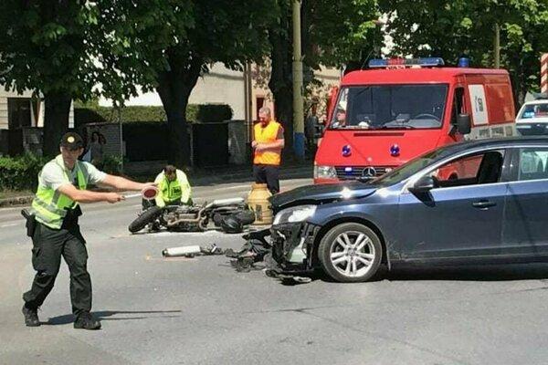 Dopravná nehoda sa stala v roku 2017 na križovatke Požiarnická - Obrancov mieru.