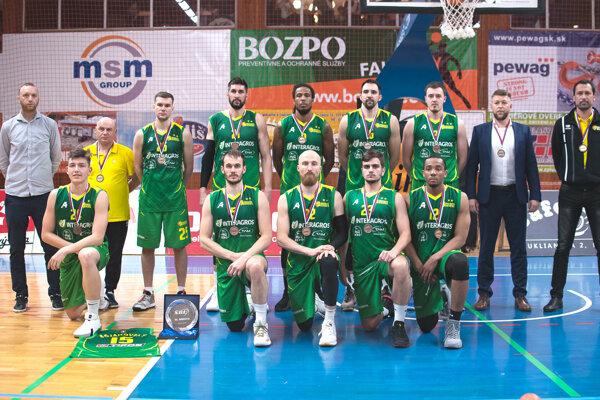 Levickí Patrioti si okrem 3. miesta vybojovali aj Slovenský pohár. Sezónu tak určite musíme hodnotiť ako výbornú.