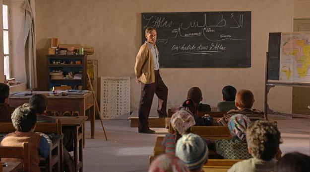 Viggo Mortensen hrá učiteľa, ktorého podmienky nútia zabíjať.