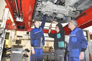 Budúci automechanici zKňažej sa oprácu báť nemusia.