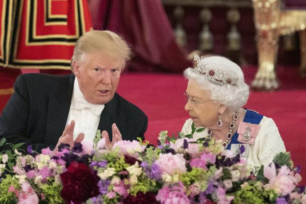 Prezident Trump a kráľovná Alžbeta II.