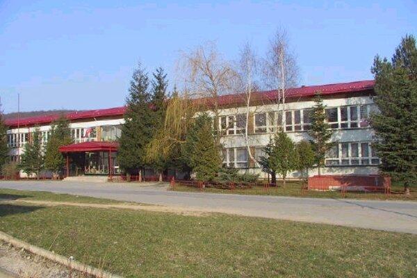 Základná škola bude mať nové ihrisko.