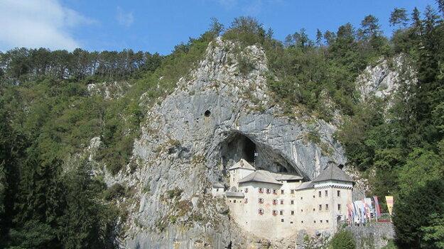 Hrad Predjama pri Postojnskej jaskyni