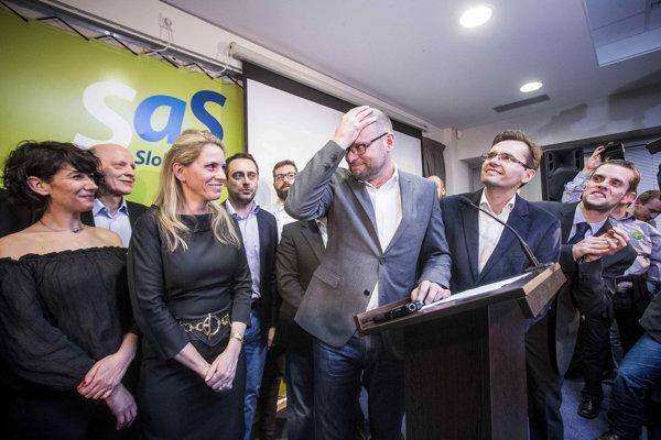 Volebná noc v štábe SaS.