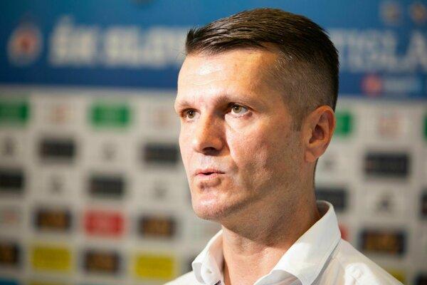 Športový riaditeľ ŠK Slovan Richard Trutz počas brífingu ŠK Slovan Bratislava na štarte letnej prípravy v Bratislave 11. júna 2019.