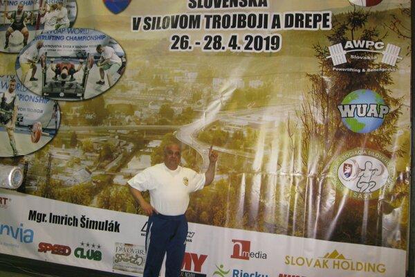 Ondrej Döme, na Otvorených majstrovstvách Slovenska vsilovom trojboji adrepe, ktoré sa konali všportove hale vČadci.