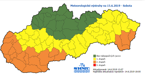 Tabuľka ukazuje varovania 1. a 2. stupňa pre východ Slovenska po oba dni rovnako. Rizikový je dolný Zemplín.