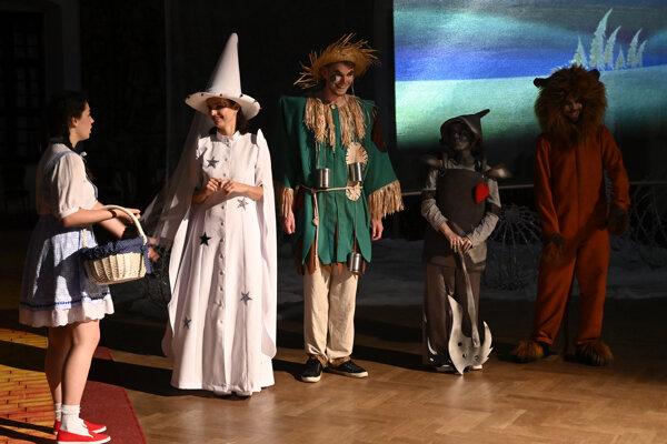 Témou tohtoročného rozprávkového zámku je Čarodejník z krajiny Oz.