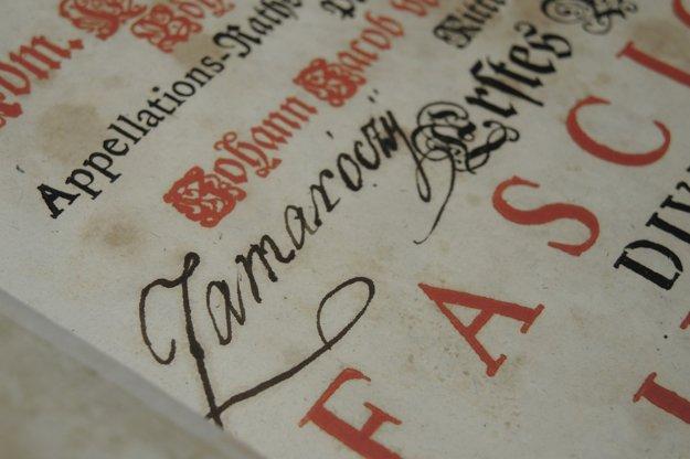 Podpis bývalého vlastníka knihy.