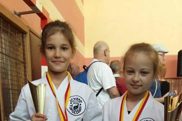 Sofia Godálová (striebro azlato), Romanka Streicherová (dvakrát zlato).