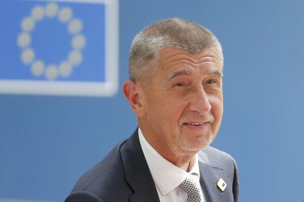 Český premiér Andrej Babiš počas rokovania júnového summitu EÚ.