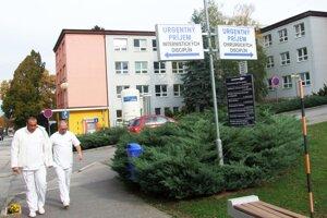V súčasnosti sú v nemocnici dva urgentné príjmy - chirurgický a internistických disciplín.