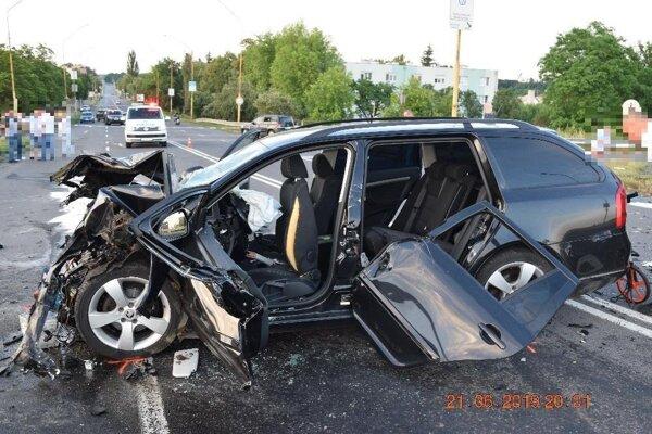 Zo smrteľnej dopravnej nehody v Lučenci.