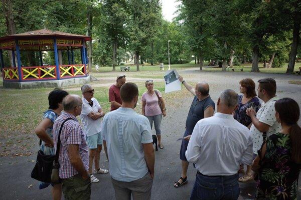 Stretnutie občanov s primátorom v parku v auguste 2018.