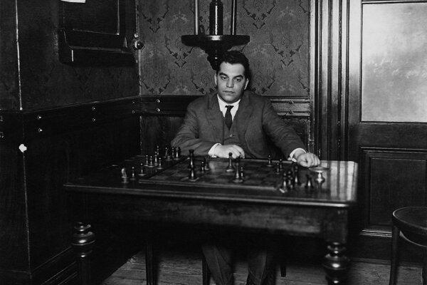 Richard Réti zlomil svetový rekord v hre naslepo, keď hral 29 partií naraz a veľkú väčšinu z nich vyhral. Na Slovensku dodnes tento rekord nie je prekonaný.