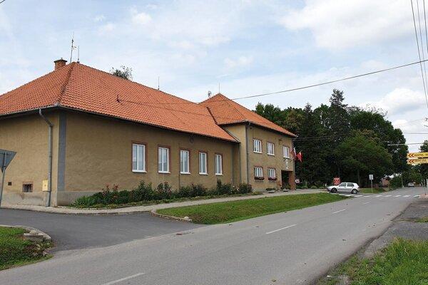 Budova obecného úradu v Buzitke