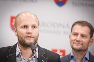 Člen hnutia OĽaNO Jaroslav Naď a poslanec NR SR a predseda hnutia OĽaNO Igor Matovič.