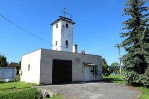 Obecný úrad v Bacúrove sídli v požiarnej zbrojnici.