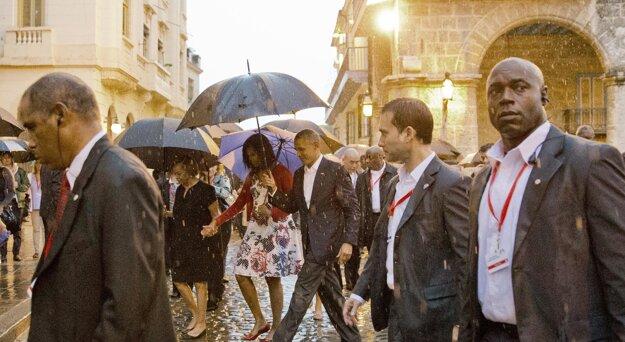 Obama si prezrel centrum kubánskej metropoly starú Havanu.