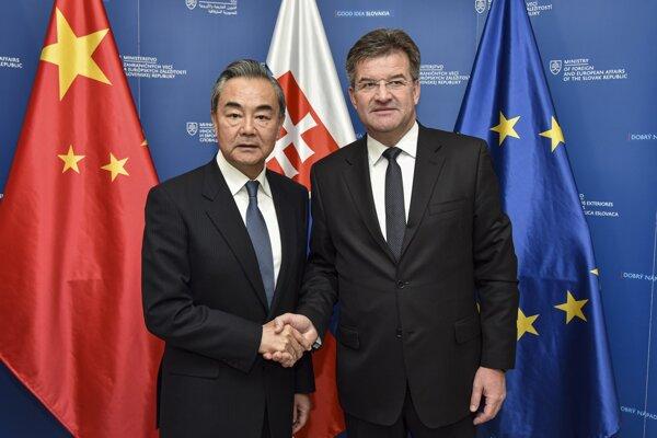 Minister zahraničných vecí a európskych záležitostí SR Miroslav Lajčák a šéf čínskej diplomacie Wang I.