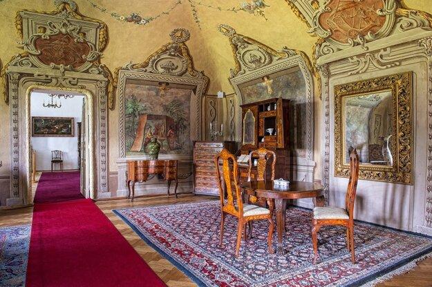 Interiér zámku v Humennom