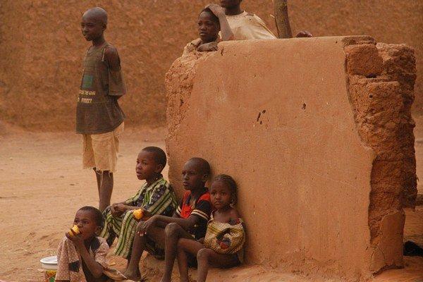 Cholera sa šíri v Nigeri.