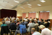 Zhromaždenia sa zúčastnilo viac ako 50 ľudí.