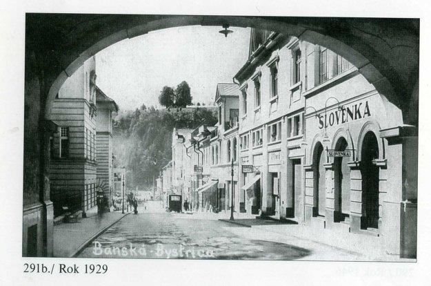 1929. Národná ulica už nadobúda dnešnú podobu.
