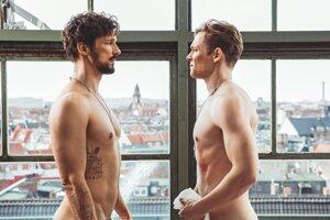 Florian David Fitz a Matthias Schweighöfer v nemeckom filme 100 vecí.