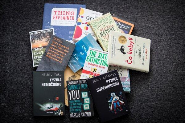 Hľadáte vedecké čítanie k vode či na dovolenku? Prinášame výber niekoľkých kníh, ktoré stoja za pozornosť.