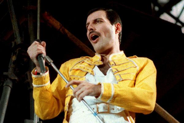 Zosnulý spevák skupiny Queen Freddie Mercury na snímke z roku 1986.