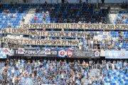 Fanúšikovia na zápase ŠK Slovan Bratislava - KF Feronikeli.