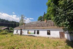 Z domu s minulosťou v Hnilčíku budú nové domy.