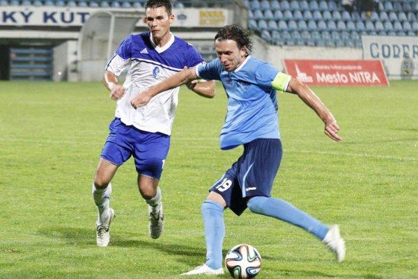 Henrich Benčík hral 11-krát za reprezentáciu Slovenska. Ešte v minulej sezóne bol kapitánom Nitry.