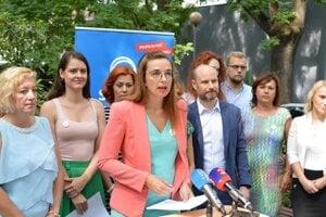 Simona Petrík počas tlačovej konferencie.