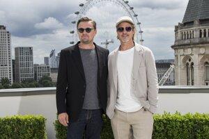 Leonardo DiCaprio a Brad Pitt. Film Vtedy v Hollywoode, ktorý s nimi nakrútil Quentin Tarantino, príde do kín 15. augusta.