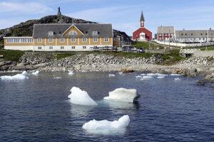 """Bežne je v lete v Grónsku -15 stupňov Celzia, v posledných dňoch boli namerané """"nezvyčajné"""" teploty od 1 do 2 stupňov."""