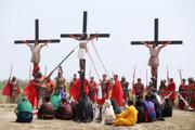 Ukrižovaní Filipínci na sviatok Veľkého piatku.