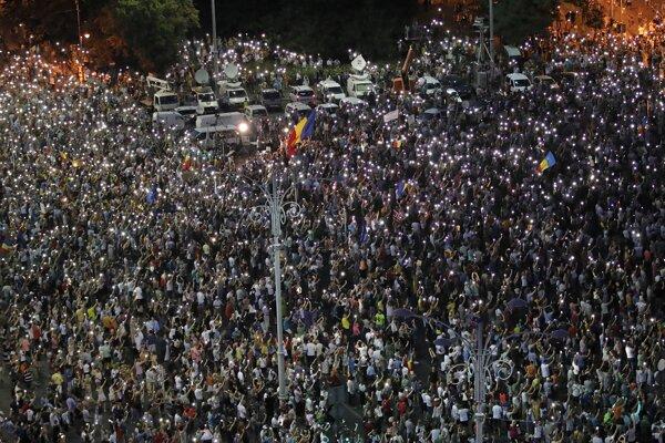 Najväčší protest sa konal pred sídlom vlády v Bukurešti.