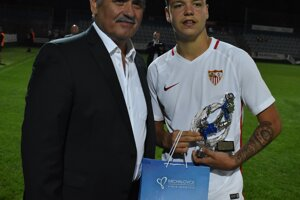 Najlepší strelec turnaja Jose Miguel Estevez Ramirez z FC Sevilla.