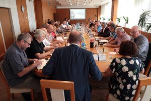 Radní, odborníci a zástupcovia inštitúcií sa prvýkrát stretli. Košice chcú získať titul Európske hlavné zelené mesto.