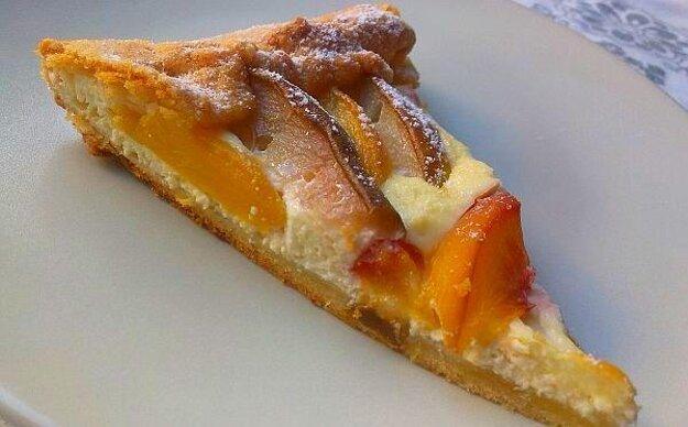 Hruškovo-broskyňový koláč