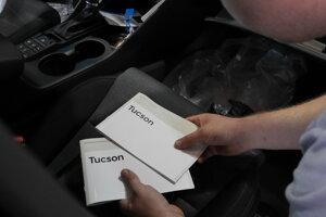 V novom aute musí byť návod aj servisná knižka.