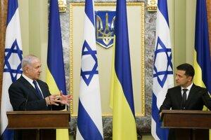 Izraelský premiér Benjamin Netanjahu s ukrajinským prezidentom Volodymyrom Zelenským v Kyjeve.